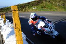 TT-Legends-Simon-Andrews-at-the-Isle-of-Man-TT